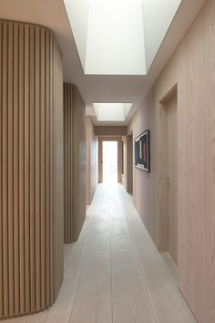 Dinesen Douglas flooring and wall cladding in private Norwegian residence. Design by Schjelderup Trondahl architects. Timber Walls, Curved Walls, Timber Wall Panels, Wood Interiors, Office Interiors, Interior Walls, Interior And Exterior, Hall Interior, Interior Trim