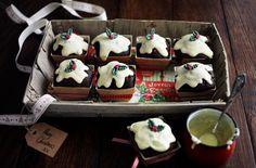 {Christmas Nosh} Mini Christmas pud muffins recipe via @TescoRealFood