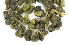 Lightly oxidized, high mountain tea oolong from one of Taiwan's most renowned tea mountains. Buttery and intoxicating floral aroma of honeysuckle and lilacs. The golden-green liquor yields a layered, delicate cup, with notes of warmed sugar.