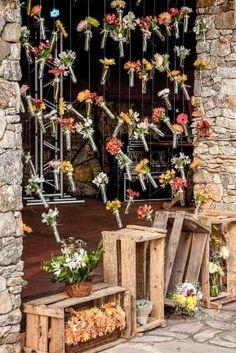 Ampolas e caixotes para uma decoração rústica DIY