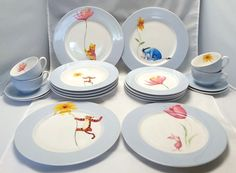 Disney China Winnie the Pooh Dinnerware 4 Complete Place Settings Blue 20 pc set Disney Dorm, Disney Nursery, Disney House, Disney Stuff, Winnie The Pooh Nursery, Disney Winnie The Pooh, Disney Home Decor, Cute Home Decor, Disney Stairs