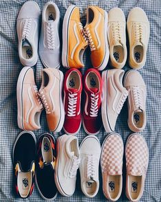 The ultimate Vsco Girl Checklist! Everything you will need to be a vsco girl and where to find it. Women's Shoes, Vans Shoes Fashion, Nike Air Shoes, Hype Shoes, New Shoes, Me Too Shoes, Shoes Sneakers, Summer Sneakers, Platform Sneakers