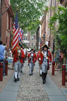 Elfreth's Alley, Philadelphia. Would love to have photos to share with students! We should have made the time to take our family. Barbados, Jamaica, Historic Philadelphia, Visit Philadelphia, Philadelphia History, Weekend Trips, Day Trips, Pennsylvania History, Hershey Pennsylvania