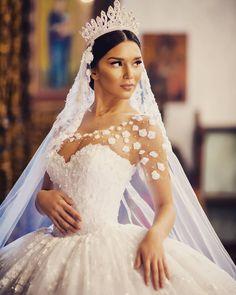 """""""Pjese nga prezantimi i koleksionit 2016 te fustaneve te nuserise! """"Frida, Xhoi & Xhei"""" kete vit mendoi qe luksin,  hijeshine, elegancen, finesen, bukurine…"""""""