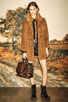 http://www.vogue.com/fashion-shows/pre-fall-2016/coach/slideshow/collection