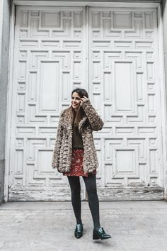 Faux_Fur_Coat-Boho_Skirt-Formula_Joven-Loafers-Outfit-Street_Style-Collage_Vintage-24 Loafers Outfit, Adventure Style, Collage Vintage, Estilo Boho, Boho Skirts, Vintage Girls, Faux Fur, Fur Coat, Fall Winter