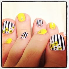 Summer nail - fingers rather than toes