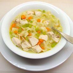 Quick and Easy Chicken Noodle Soup - reemplazar con arroz