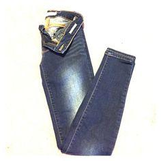 Bullhead skinny jeans Bullhead Black indigo wash denim with slight vintage fading size 1 skinniest Bullhead Jeans Skinny