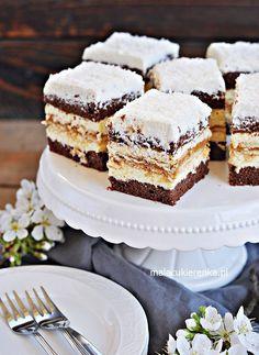 Ciasto Kokosowa KRÓWKA – PRZEPIS – Mała Cukierenka Easy Desserts, Dessert Recipes, Lemon Cheesecake Recipes, Russian Cakes, Easy Baking Recipes, How Sweet Eats, Homemade Cakes, No Bake Cake, Christmas Desserts