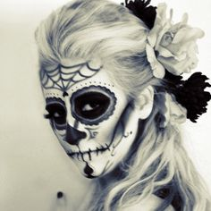 Day of the dead makeup, even gorgeous in black & white!