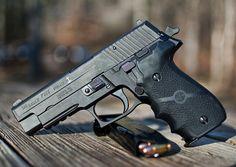 Sig Sauer P226 Navy (black stainless) Find our speedloader now! http://www.amazon.com/shops/raeind