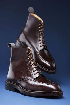 Semmi extra de mégis szép. Boots nem csak casual megjelenéshez.  TSL   stílustippek · Stivali Da UomoScarpe ... e34a30328d6