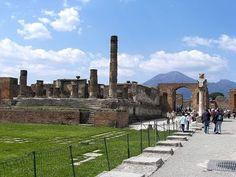 Places to see in ( Pompei - Italy ) Forum #instatraveling #travelingourplanet #travelingtheworld #lovetraveling #traveling #travel#worldtravel