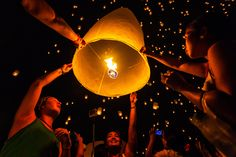October 25 at Tudongkasatarn in Chiangmai,Thailand. Tudongkasatarn is where floating lamp ceremony takes place every year. Air Balloon, Balloons, Fireworks Festival, Most Beautiful Words, Lantern Festival, October 25, Lanterns, Thailand, Sky