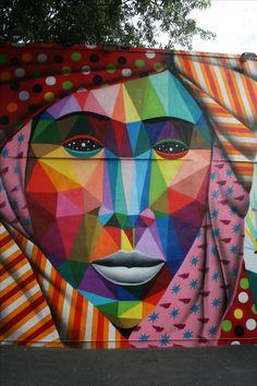 BlondeTravelGirl - Miami, Wynwood Art