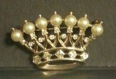 TRIFARI  ROYAL CROWN TIARA Pin Brooch Faux Pearl & Rhinestone MARDI GRAS Vintage
