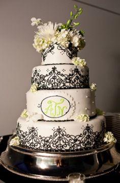 42 gorgeous black and white wedding cakes weddingomania in black and white wedding cakes 1