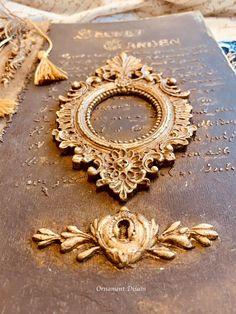 Ornaments Design, Spelling, Frame, Books, Decor, Art Furniture, Picture Frame, Libros, Decoration