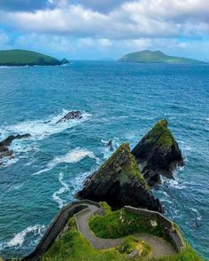 We are so jealous of these views! 😍 Physio Claire is currently travelling Ireland and will be back June Call or email to book an appointment! Ireland Travel, Jealous, Claire, Travelling, June, Book, Water, Outdoor, Instagram