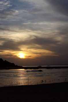 Entardecer em Alter do Chão, Pará - Amazônia, Brasil - Rio Tapajós (Sunset in Tapajós river, Amazon, Brasil)