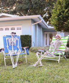 Ideas inspirations indooroutdoor halloween yard decoration skeletons outdoor halloween decorations workwithnaturefo
