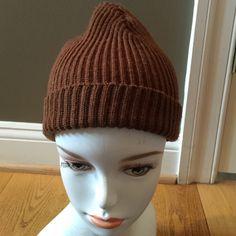PORTOLANO MERINO WOOL HAT OSFA PORTOLANO merino wool hat has had some repairs Portolano Accessories Hats