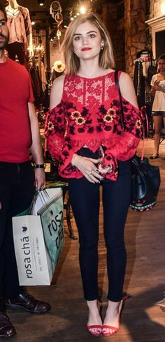 lucy-hale-brazil-arrival-shopping-before-convention-17.jpg