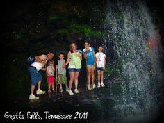 Grotto Falls, Great Smoky Mountains National Park, Gatlinburg, Tennessee Gatlinburg Weddings, Gatlinburg Vacation, Gatlinburg Tennessee, Pigeon Forge, Great Smoky Mountains, Travel Info, Summer Travel, Travel Destinations, Road Trip