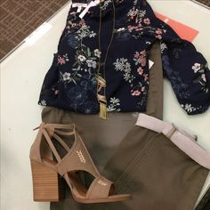 Florals , and colored leggings are everything you'll need during spring shirt 49051 , green jeggings 30484 , open toed heel 73683 , necklace 49476  shop at your local Maurices or Maurices.com #maurices #fashion #springoutfits #ootd