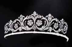 another diamond floral tiara with multiple foliate scroll motifs, each with an internal daisy motif, and topped with a fleur de lys Royal Crowns, Royal Tiaras, Tiaras And Crowns, Art Deco Jewelry, Fine Jewelry, Jewelry Design, Diamond Tiara, Royal Jewelry, Circlet