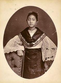Vintage photo of a mestiza-chinay beauty