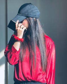 Stylish Photo Pose, Stylish Girls Photos, Stylish Girl Pic, Teenage Girl Photography, Portrait Photography Poses, Photography Poses Women, Girl Photo Shoots, Girl Photo Poses, Cute Girl Photo