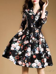 Doresuwe.com SUPPLIES 欧米セレブ愛用新品 大物のVネック花柄着痩せフレアワンピース デートワンピース