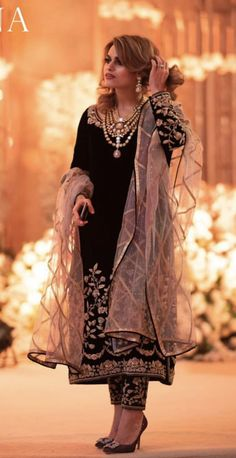 Wedding Salwar Suits, Pakistani Wedding Outfits, Pakistani Dresses Casual, Pakistani Dress Design, Bridal Outfits, Pakistani Bridal, Indian Fashion Dresses, Dress Indian Style, Indian Designer Outfits