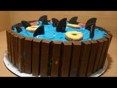 Dive into shark-themed baking Shark Cupcakes, Shark Cookies, Shark Cake, Shark Bite Drink Recipe, Shark Birthday Cakes, Let Them Eat Cake, Amazing Cakes, Cupcake Cakes, Cake Decorating