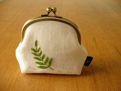 Hand Embroidered Fern Leaf Kisslock Snap Frame Pouch