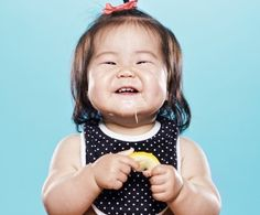 """Pucker "" is a hilarious photo series by photographers David Wile and April Maciborka, in which they photograph children tasting lemon for the first time. So Cute Baby, Cute Kids, Cute Babies, Baby Kids, Steven Meisel, Little People, Little Ones, Eating Lemons, Baby Lernen"