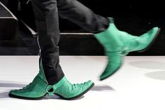 double-faced cowboy boots strut down the runway for hood by air's NYFW show  www.designboom.com