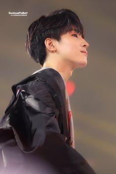 180707 #SEVENTEEN #Wonwoo at SBS SUPER CONCERT IN TAIPEI © DestinedToBe17 Mingyu Wonwoo, Seungkwan, Woozi, Seventeen Wonwoo, Seventeen Debut, Team Leader, A Team, Choi Hansol, Won Woo