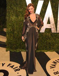Miranda Kerr en Valentino http://www.vogue.fr/mode/inspirations/diaporama/les-looks-du-mois-de-fevrier-des-podiums-a-la-realite/12053/image/720496#miranda-kerr-en-valentino