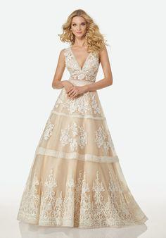 Bohemian A-line Wedding Dress by Randy Fenoli - Image 1 zoomed in