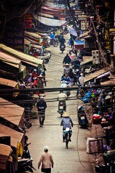 HÀ NỘI dây điện bây h đã trở thành 1 đặc điểm k thể thiếu của các thành phố Việt Nam