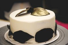 Valentine's DIY: 4 Fool-Proof Ways To Frost A Gorgeous Cake+#refinery29