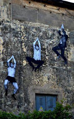 """Artist : Levalet """"Peau de chagrin"""" """"Memorie Urbaine Festival - Terracina (IT) """" May 2014 Encre de chine sur papier et corde sur mur."""