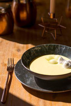 Lasă-te mângâinată de razele soarelui, în timp ce savurezi preparatele delicioase. Vino la Nobila Casa și descoperă cele mai trendy farfurii! Mai, Fondue, Cheese, Ethnic Recipes