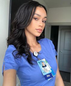 🥰💊💉🌡 I'm so fortunate to serve in a profession that is truly humbling and admirable. What an amazing blessing it is to… Cute Nurse, Nurse Love, Sexy Nurse, Rn Nurse, Hello Nurse, Nursing Goals, Nursing Career, Nurse Aesthetic, Nurse Photos
