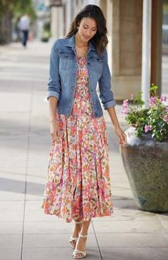 40 Stylish Denim Jacket Outfit Ideas for Spring : Cotton Floral Print Peasant Dress is feminine and gorgeous with an allover flower print. Wear your denim jacket over this long dress for a stylish and comfortable summer otufit. Modest Outfits, Skirt Outfits, Cool Outfits, Summer Outfits, Casual Outfits, Summer Dresses, Floral Outfits, Dress Casual, Denim Jacket Outfit Summer