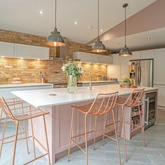 A chic, industrial style kitchen renovation in Marlow, a rural town within Buckinghamshire, featuring wood effect porcelain tiles and a slip brick splashback. Home Decor Kitchen, Kitchen Interior, New Kitchen, Espace Design, Rose Gold Kitchen, Sweet Home, Küchen Design, Cool Kitchens, Kitchen Remodel