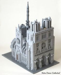 Ian Spacek: Notre Dame Cathedral :: Other. Ian Spacek Micro-scale: Build anything (be it from a movie, a book, or som. Van Lego, Brick Loft, Lego Photo, Lego Modular, Lego Castle, Lego Architecture, Lego House, Lego Projects, Building Structure
